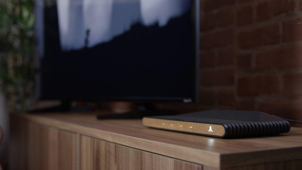 Rendering della Console Atari VCS su un Mobile con Televisione
