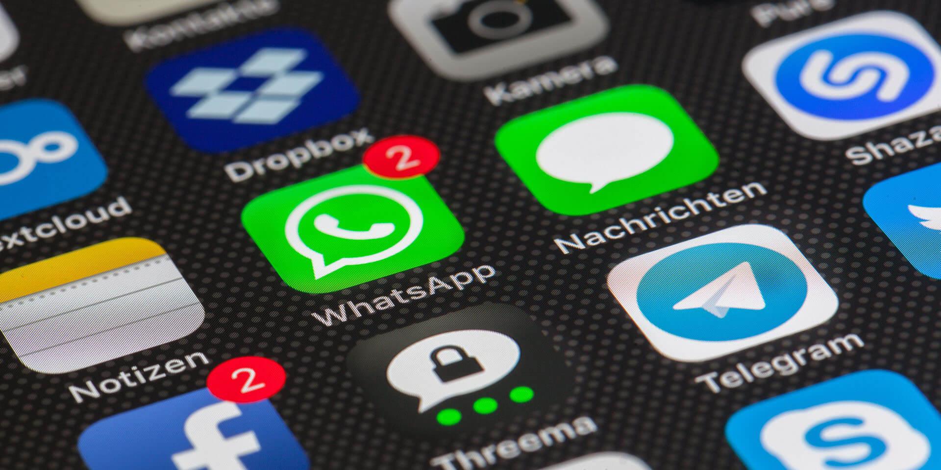 WhatsApp vietato ai minori di 16 anni. Cosa significa realmente?